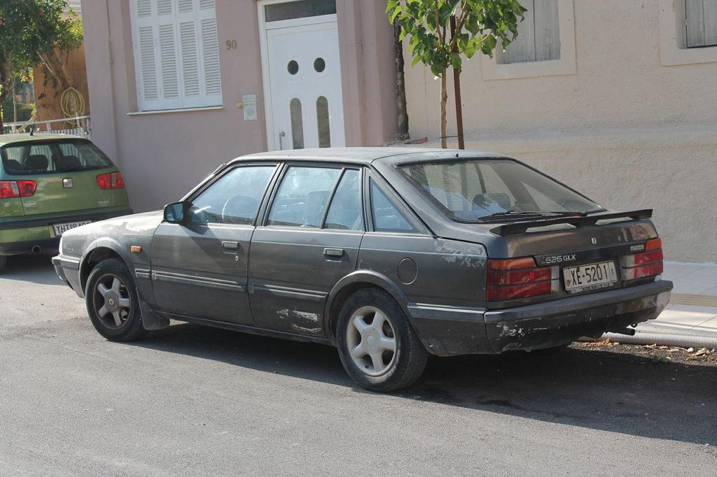 1982_Mazda_626_GLX_hatchback_(10290937513)