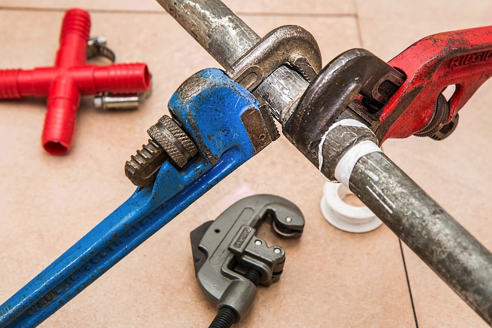 Emergency Plumbing Services can fix a busted pipe, whether it is 3 pm or 3 am